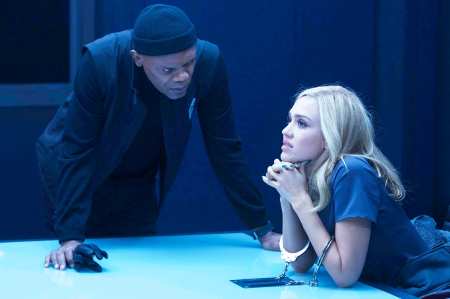 BARELY LETHAL - 2015 FILM STILL - Samuel L. Jackson and Jessica Alba - Photo Credit: Quantrell D. Colbert